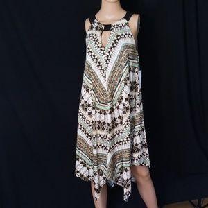 💎NWT EMMA & MICHELLE KEYHOLE SWING DRESS